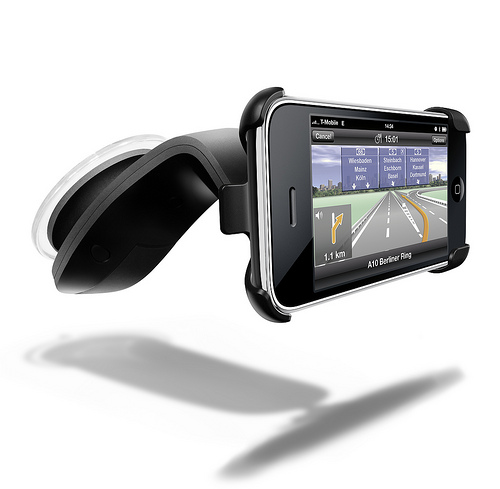 Brug din telefon som GPS med Navigon iPhone Design Car Kit!